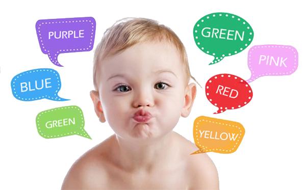 bebé aprendiendo los colores en inglés